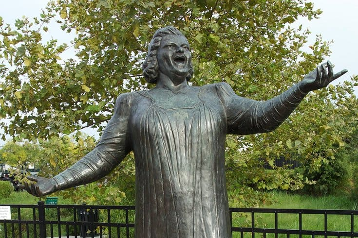 Wildwood Mayor Wants The Kate Smith Statue In Wildwood